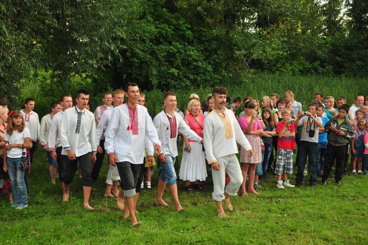 Липень 2013 року. Купальське свято, організоване Олександром Капіносом у його рідному селі